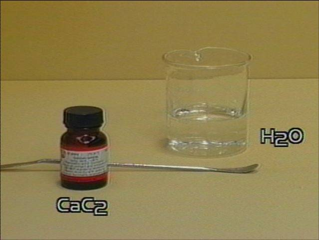 Kalcio karbidas formule